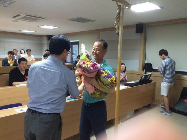 홍성하교수님퇴임축하3.jpg