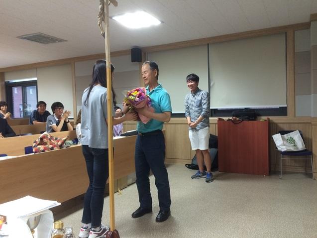 홍성하교수님퇴임축하2.jpg